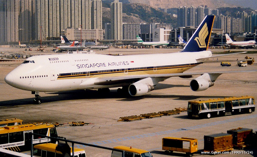 Singapore Airlines Boeing 747-412 9V-SMD